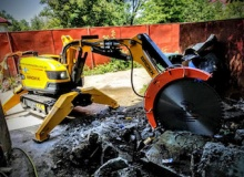 Wall saw attachment for demolition robots launched