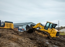 Cat 963 track loader pairs versatility