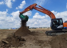 Versatile bucket from Cobra big hit in Russia